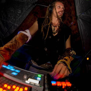 DJ forage @ Future Forest's Mosslands 0725014